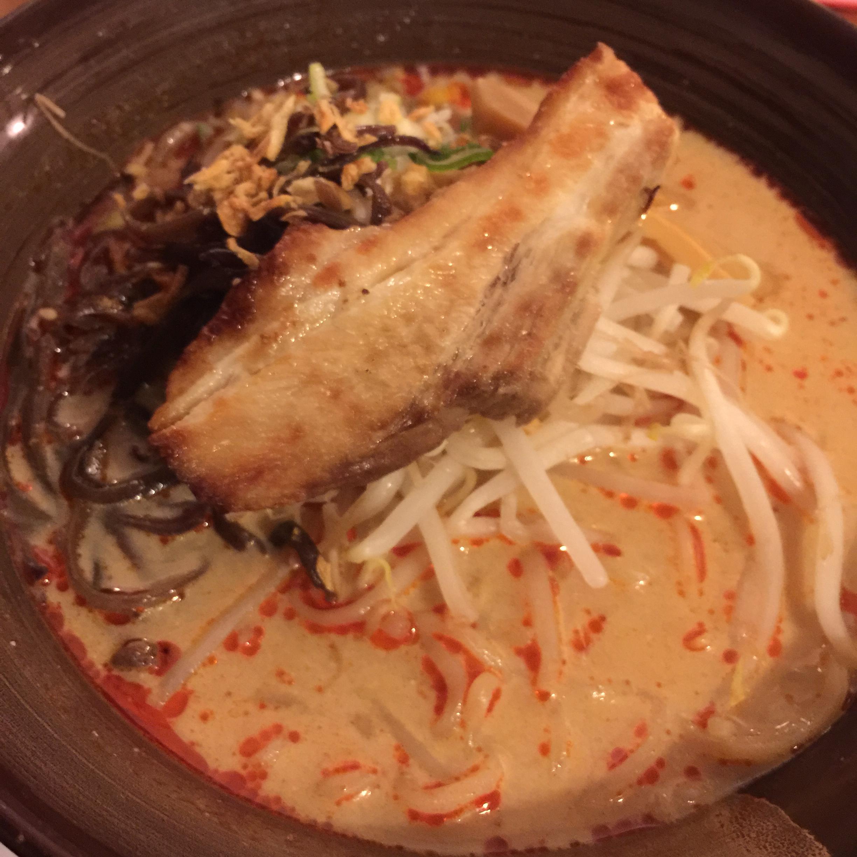 『麺家 三士』@横浜ベイクォーター 座って食べれる!焼酎もある!