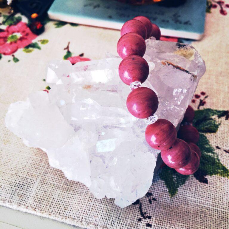 水晶クラスターで天然石を浄化&パワーチャージ!