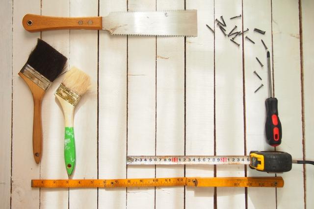 DIYと名乗るのもおこがましい、初心者による押入収納の本棚DIY!