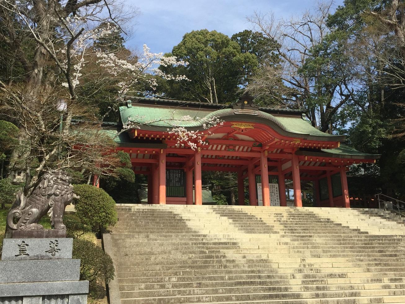 【東国三社】桜が美しい季節の『香取神宮』に参拝してきました!車ならアクセスも容易です♪